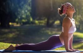 108 кругов «Сурьи Намаскар»: польза и вред, комплекс упражнений