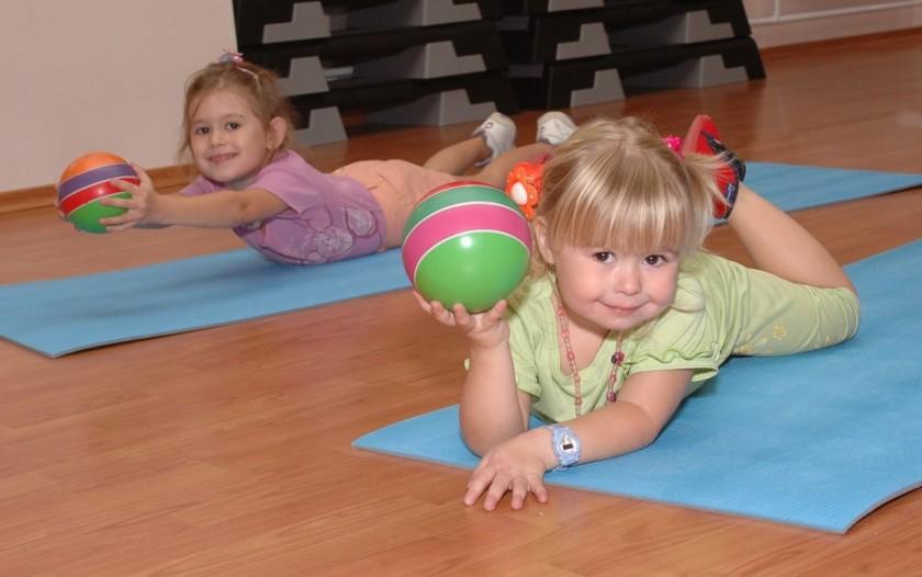 уравновешивает физическую и умственную активность
